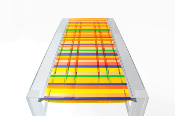 Acrylic dining table in 'Baiadera' by Poliedrica