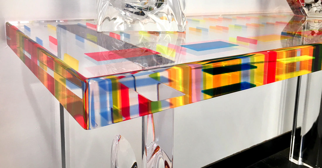 perspex console pixel by Poliedrica